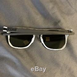 $316 Oakley Latch Alpha OO4128-04 LT GUNMETAL PRIZM POLARIZED Men's Sunglasses
