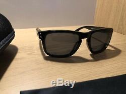 Mens Oakley Holbrook Sunglasses And Hardshell Case. Immaculate Condition