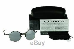 NEW Authentic OAKLEY TAILEND Carbon with Grey Lens Mens Oval Sunglasses OO 4088-05