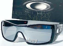 NEW! Oakley BATWOLF Black Ink POLARIZED Galaxy Chrome Mirror Sunglass 9101