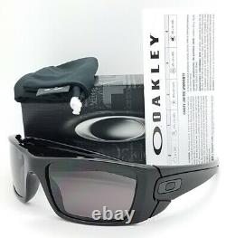 NEW Oakley Sunglasses Fuel Cell Polished Black Warm Grey 9096-01 AUTHENTIC 9096