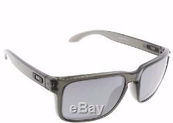 New OAKLEY Sunglasses HOLBROOK OO9102-24 Gray Smoke / Black Iridium Fast Ship