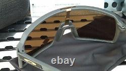 New Oakley SUTRO 9406-0537 Sunglasses Matte Carbon withPrizm 24k Iridium Lenses