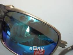 OAKLEY mens BADMAN sunglass PLASMA/SAPPHIRE POLARIZEDbroken hingeOO6020-04
