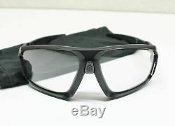 Oakley FIELD JACKET Sunglasses OO9402-0664 Black With Clear Black PHOTOCHROMIC