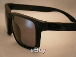 Oakley Holbrook Multicam Black w Grey Polar Lens (oo9102-92)