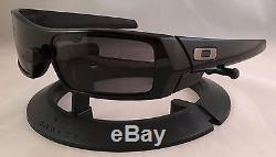 Oakley Mens Gascan Sunglasses, Polished Black/Grey Lens