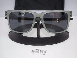 Oakley OO2048-05 HOLBROOK LX Satin Olive Frame Grey Lens Mens Sports Sunglasses