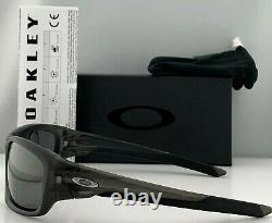 Oakley Valve Sunglasses OO9236-06 Matte Gray Smoke Iridium Polarized 60mm